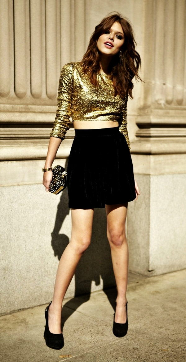 classy-ideas-to-make-your-sequin-outfits-christmas-party-ready-14