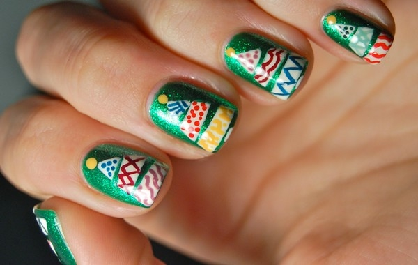 easy-christmas-nail-art-designs-and-ideas-19