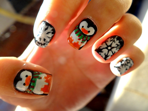easy-christmas-nail-art-designs-and-ideas-21