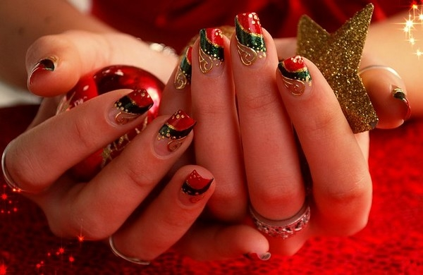 easy-christmas-nail-art-designs-and-ideas-28