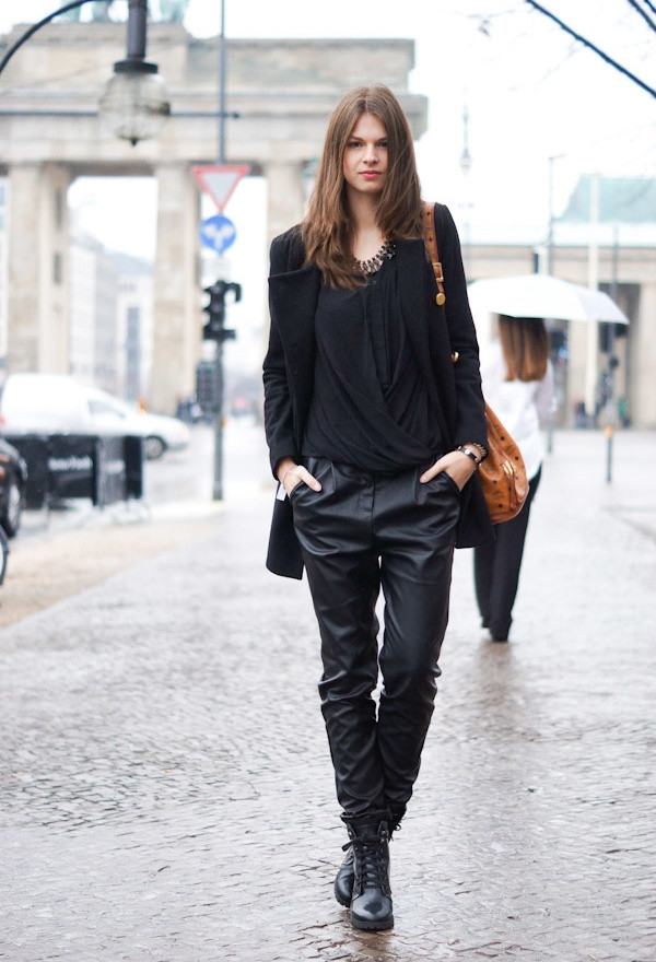 all-black-outfits-19