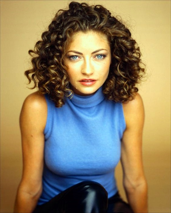 curly-hair-hairstyles-for-women-26