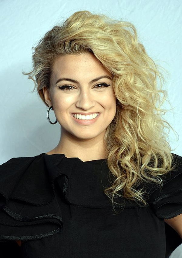 curly-hair-hairstyles-for-women-4
