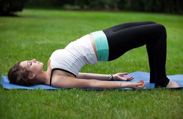 yoga-asanas-for-slimmer-tummy-3