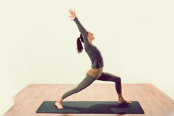 yoga-asanas-for-slimmer-tummy-5