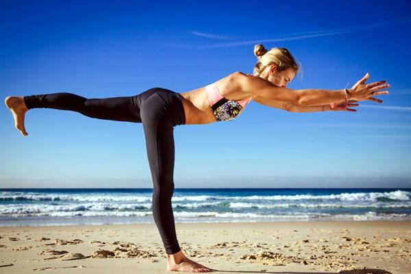 yoga-asanas-for-slimmer-tummy-7