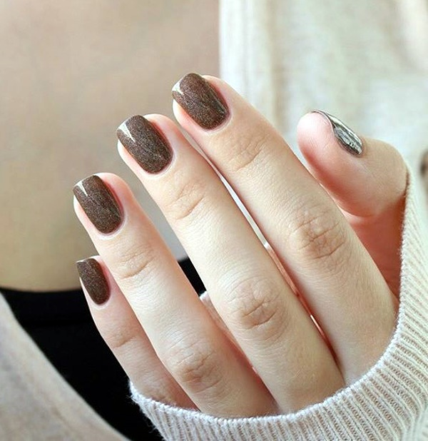 cracked-metallic-winter-nail-design-4