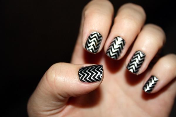 cracked-metallic-winter-nail-design-6