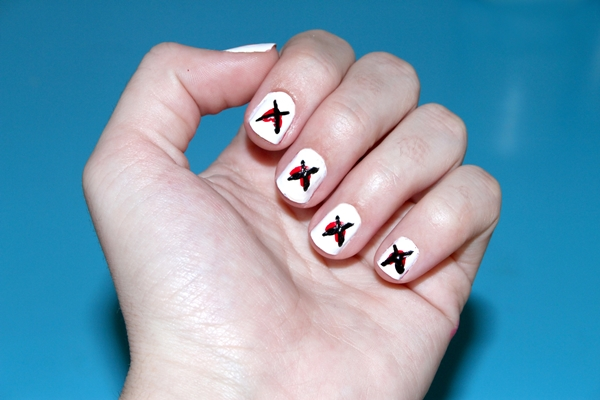20-disastrously-festive-anti-valentine-nail-arts-for-those-who-arent-in-love-this-year-20