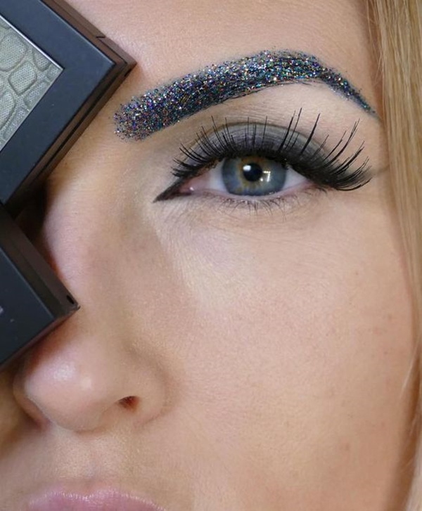 easy-glitter-makeup-ideas-3