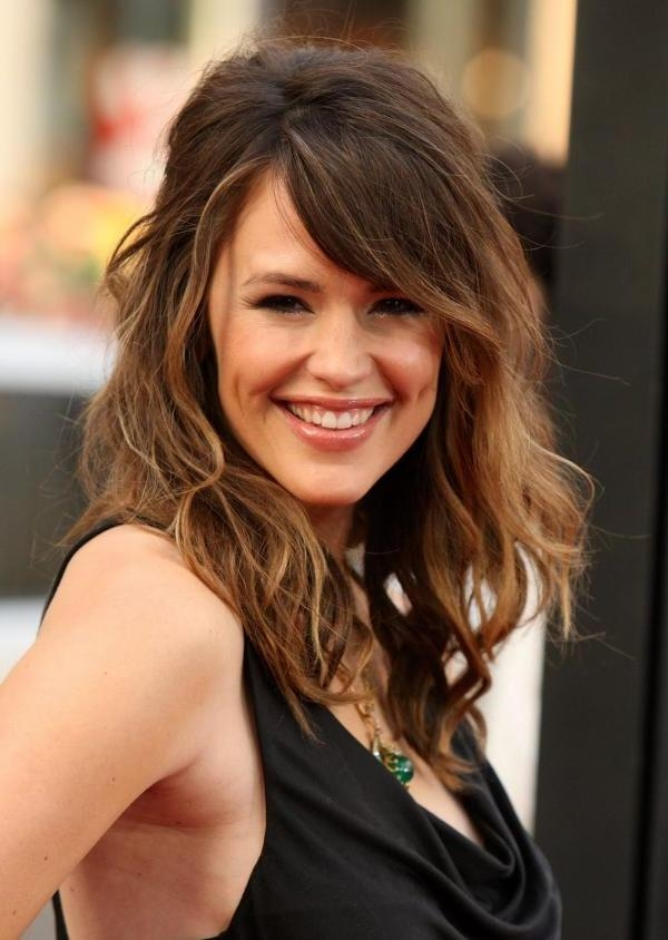 Medium Length Hairstyles and Haircuts for Women - (22)