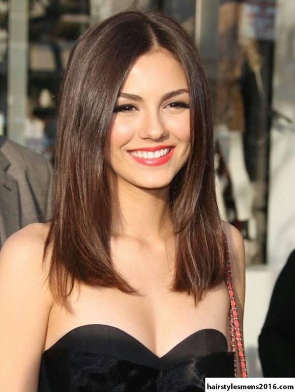 Medium Length Hairstyles and Haircuts for Women - 5