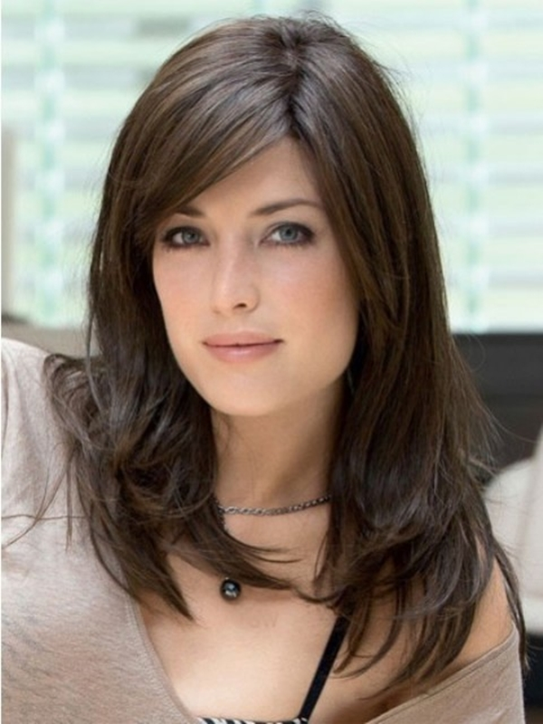 Medium Length Hairstyles and Haircuts for Women - 6
