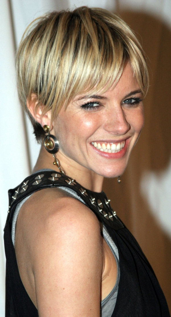 New-and-Easy-Hairstyles-for-Short-Hair-12