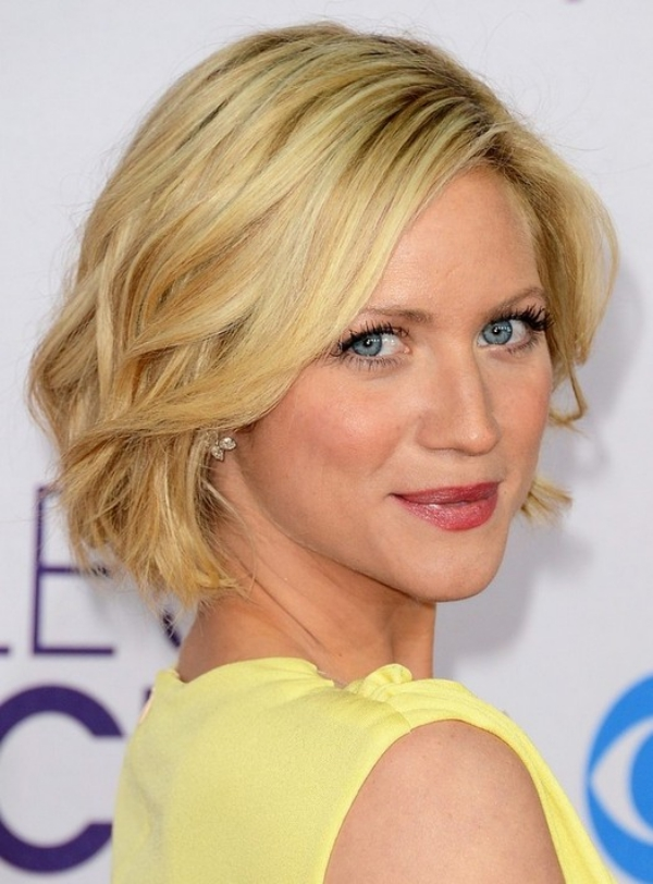 New-and-Easy-Hairstyles-for-Short-Hair-40