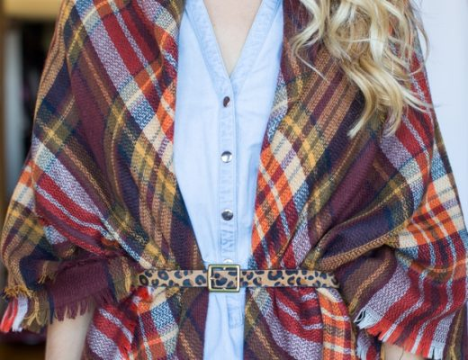 Step-by-step-Smart-Ways-to-Tie-a-Scarf