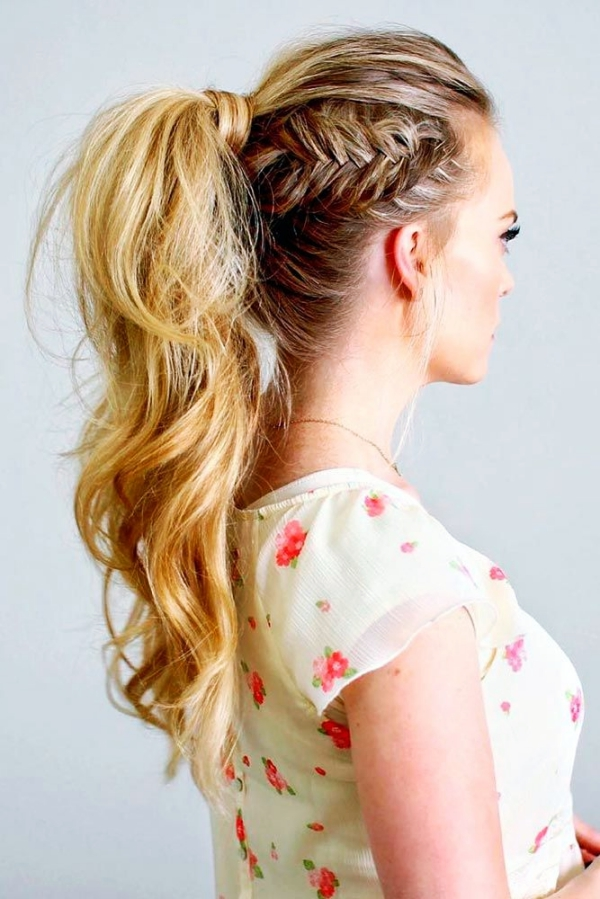 Simple-Hairstyling-Tricks-to-look-10-Years-Younger