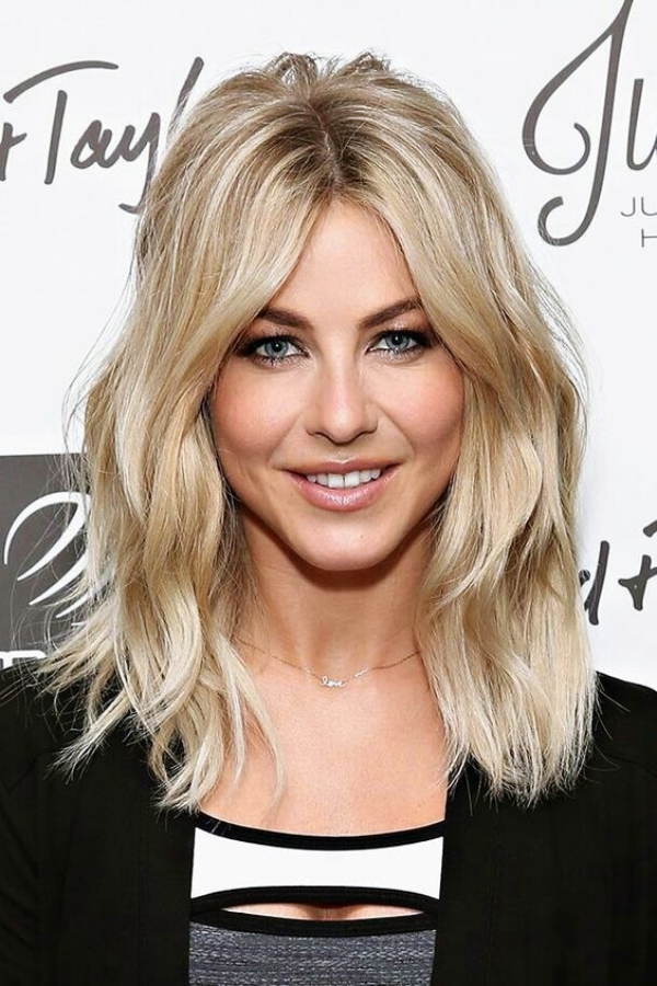 Easy-Shoulder-Length-Hairstyles-for-Women