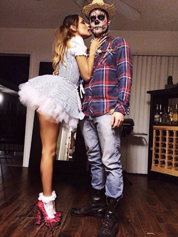 Funny-and-Scary-DIY-Halloween-Costumes-Ideas