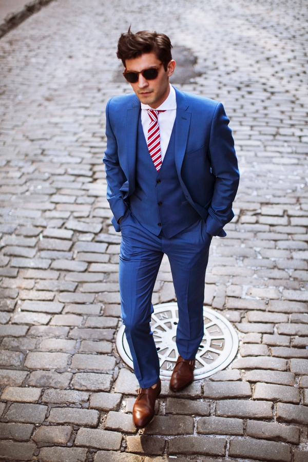 How-to-Wear-a-Suit-Like-a-Kingsman-Master-Guide