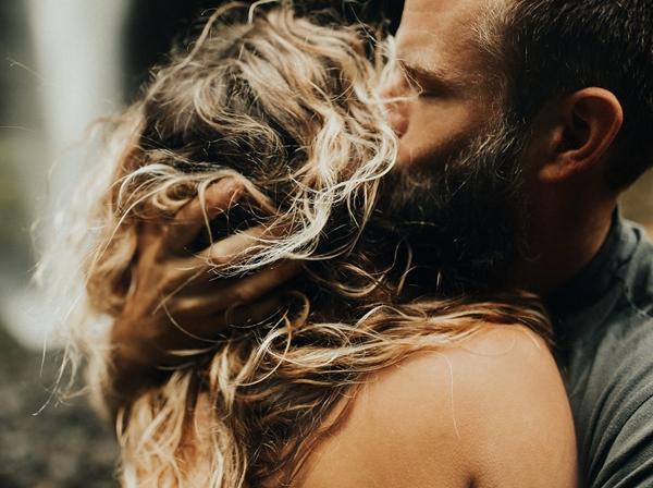 deep-questions-ask-boyfriend-strengthen-relationship