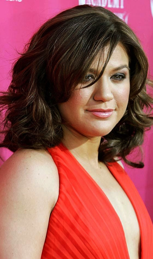 100 Short Hairstyles for Fat Faces & Double Chins ...