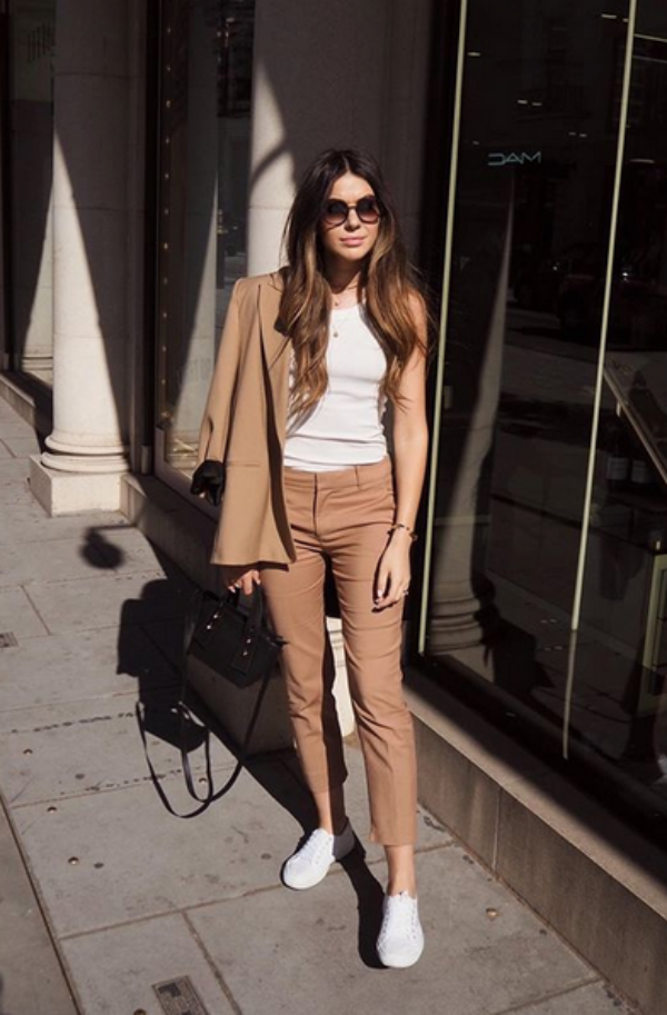Casual-Work-Outfits-for-Summer-to-Try-this-Year