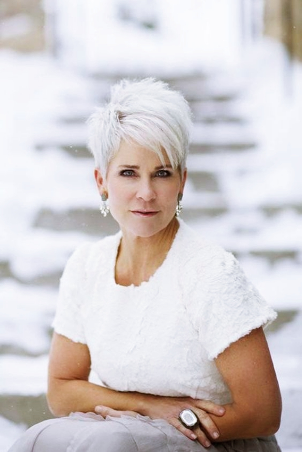 40 Short Hairstyles for Women Over 50 - Fashiondioxide