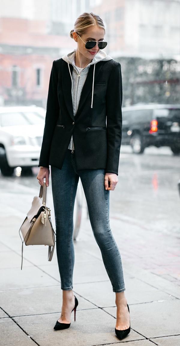Ways-to-Wear-Heels-in-Office-Schedules.