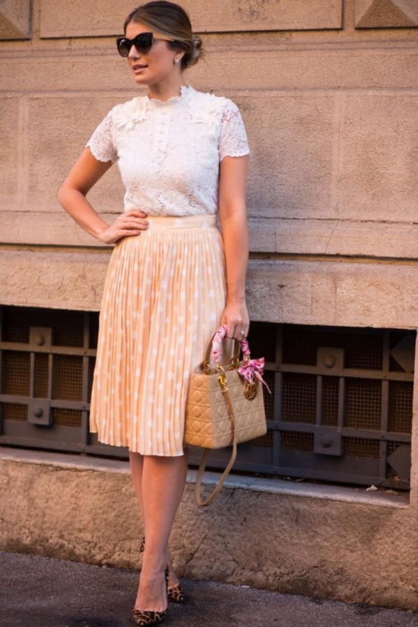 Skirt-Outfit-at-work-