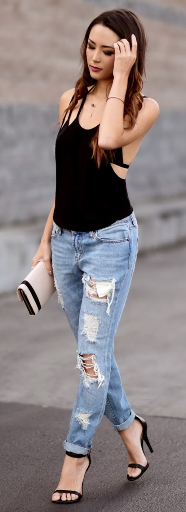 glamorous-outfit-ideas-for-flat-chested-women