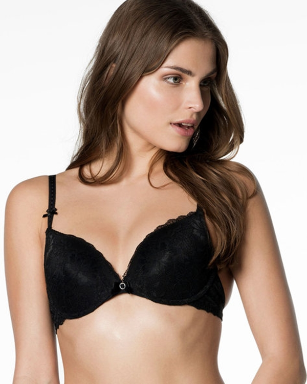 best-bras-for-small-breasts-that-women-need-to-know-about