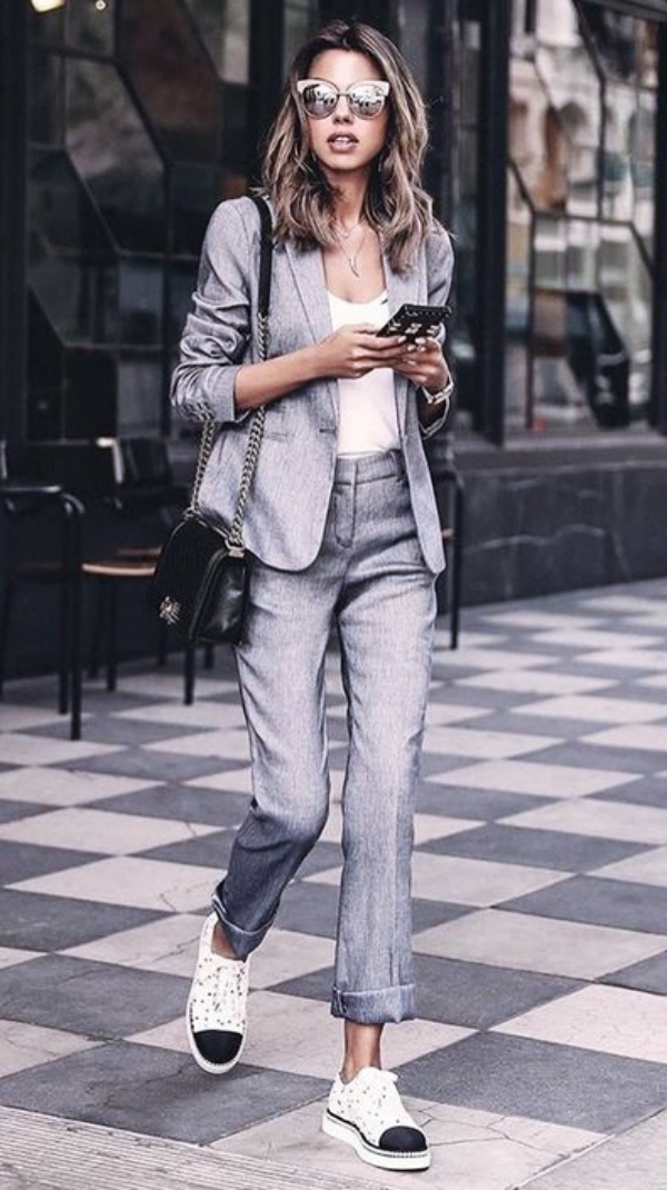 Informal-Work-Outfits-With-Sneakers