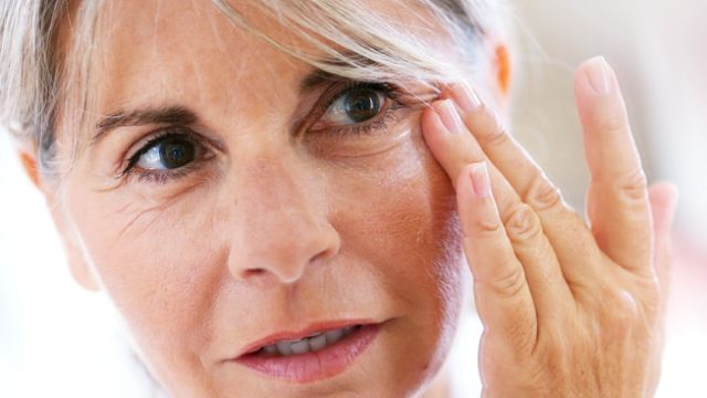An Ultimate Guide to Get Rid of Wrinkles Around Eyes