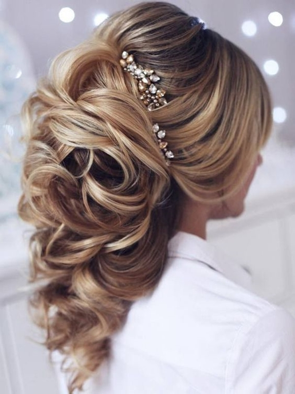 glamorous-mother-of-the-groom-hairstyles-to-be-the-stun-mum