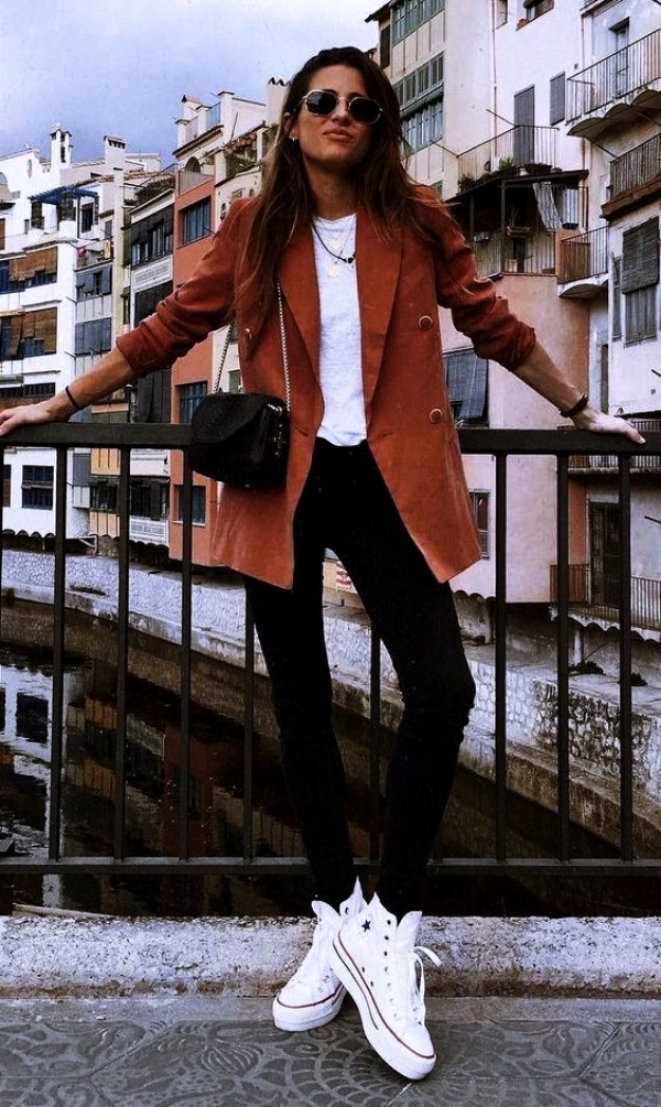 Informal-Work-Outfits-With-Sneakers-first