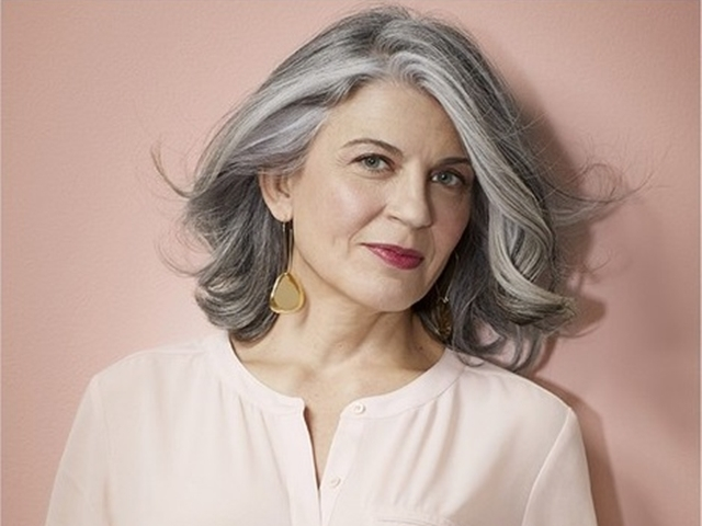 57 Medium Hairstyles For Women Over 50 Fashiondioxide