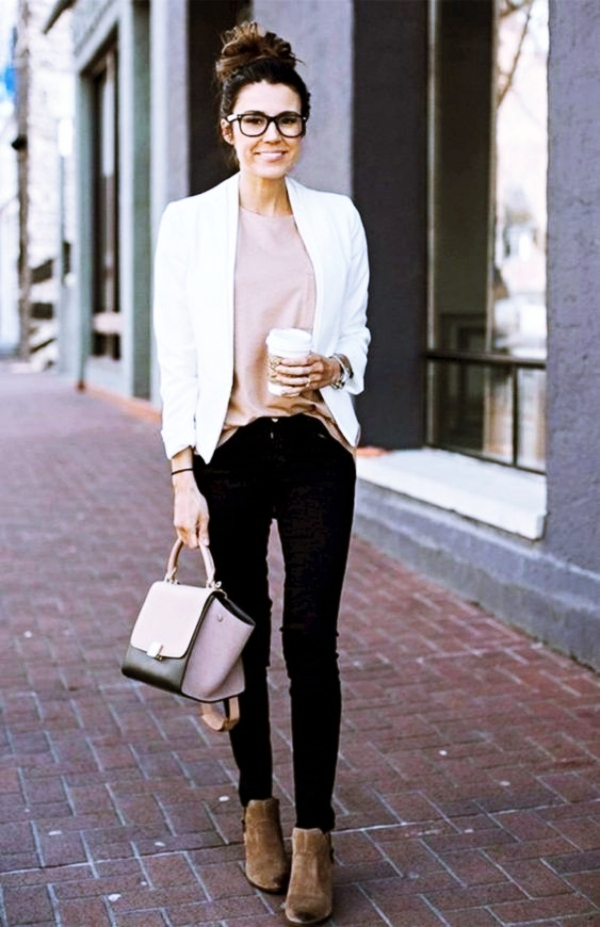 Professional-Blazer-Outfits-For-Working-Women-to-Try-this-Summer