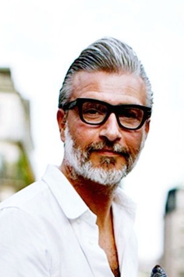Sexy-Eyewear-Frame-Designs-For-Men-Over-50