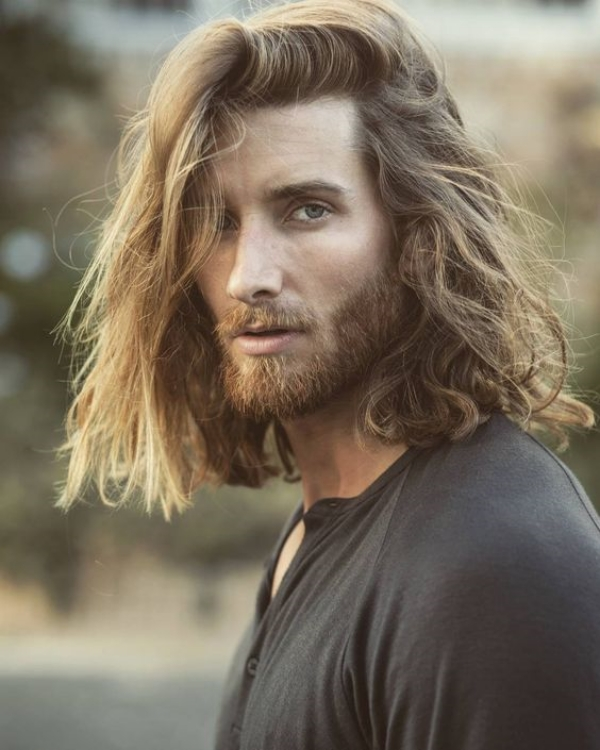 Irresistibly-Sexy-Long-Hairstyles-For-Men