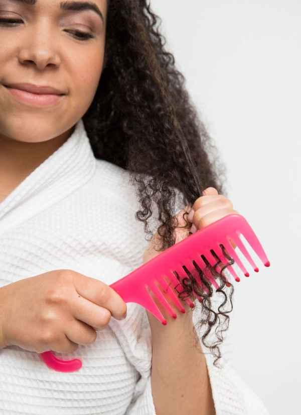 Curly Hair Care Tips and Hacks to Maintain Naturally