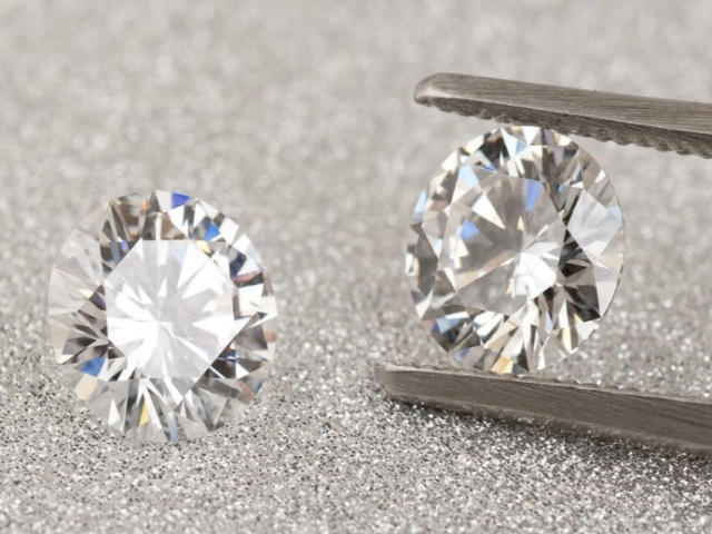 lab-grown-diamonds-feature